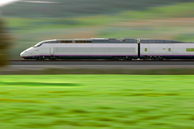 Un tren con 6.300 viajeros diarios