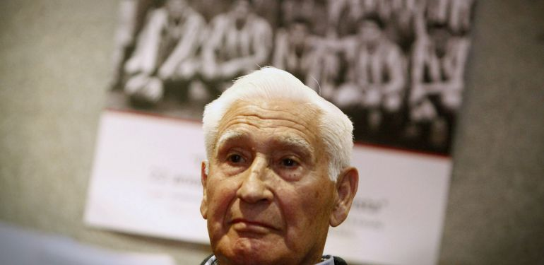 """El ex jugador y ex entrenador del Deportivo, Arsenio Iglesias, durante la presentación del libro """"De Arsenio a Arsenio"""""""