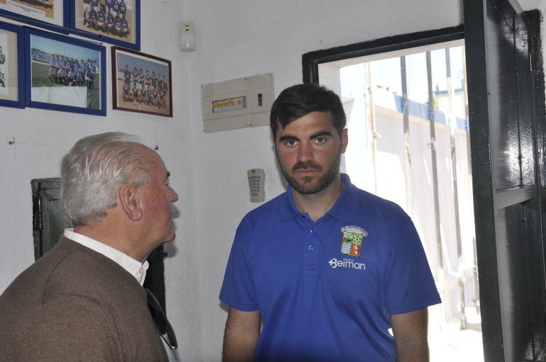 Alberto Vázquez junto a presidente Manuel Jiménez