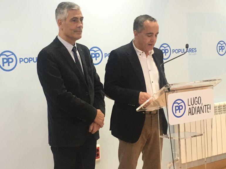 Jaime Castiñeira y Ramón Carballo en la sede del PP de Lugo