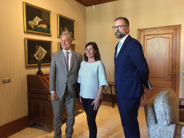 El embajador de Reino Unido en España, asegura que el Brexit no afectará al turismo en las Islas