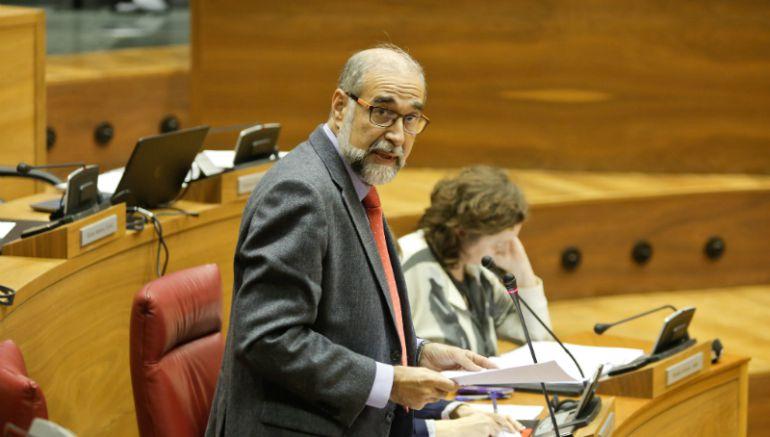 El Consejero de Salud Fernando Domínguez