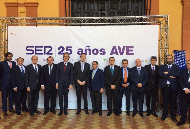 Rajoy ha clausurado los actos con motivo de los 25 años del AVE organizados por la Cadena SER en Sevilla