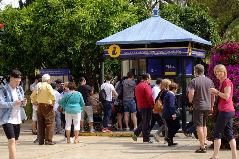 M laga capital segundo destino urbano de espa a que m s for Oficinas de correos en malaga capital