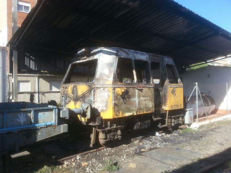 Aspecto del vehículo tras el incendio