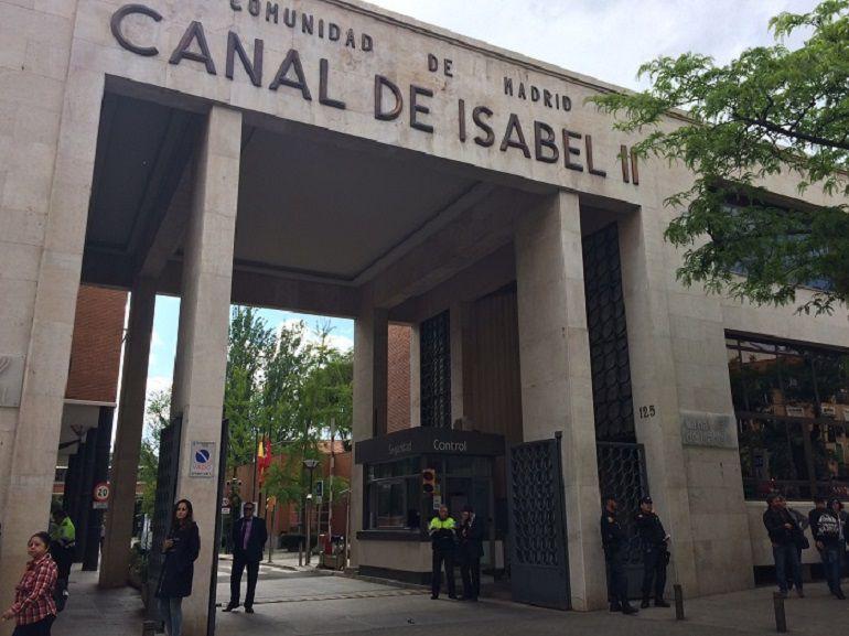 La plantilla del canal isabel ii se planta ante el saqueo for Oficinas canal isabel ii madrid