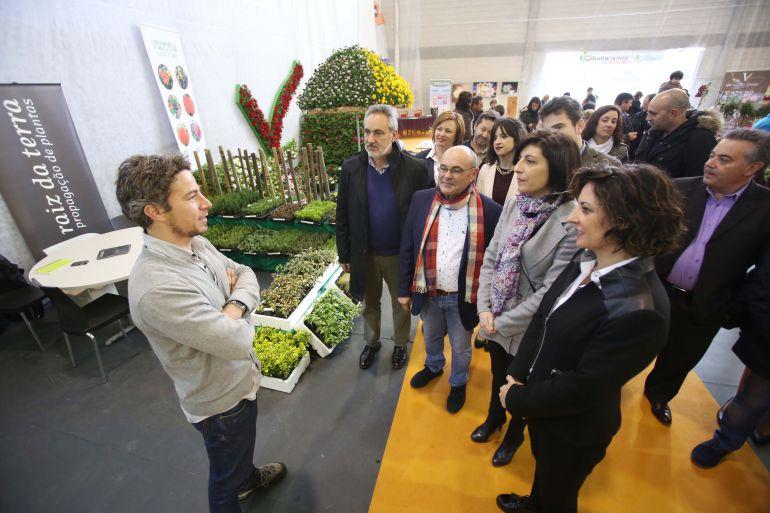 Angeles Vázquez visita la Mostra de Cultivos do Baixo Miño