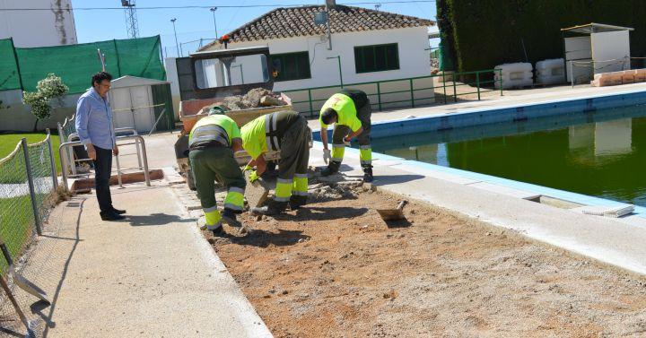 Comienzan los trabajos para la puesta a punto de la for Piscina municipal albacete