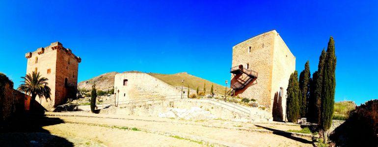 El Castillo de Jódar, desde su Plaza de Armas, con sus dos Torres