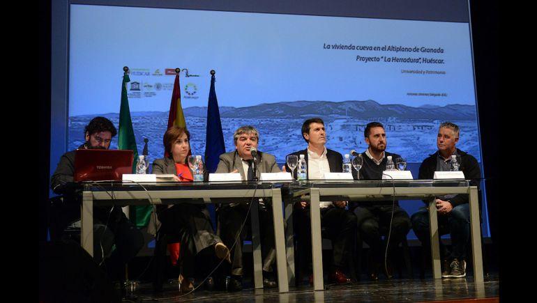 """Presentación del libro """"La vivienda-cueva en el Altiplano de Granada. Proyecto La Herradura, Huéscar. Universidad y Patrimonio"""""""