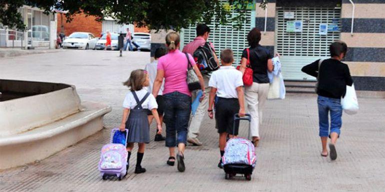 San Fernando y El Puerto de Santa María ya superan a Cádiz en número de niños que se incorporan a los colegios.