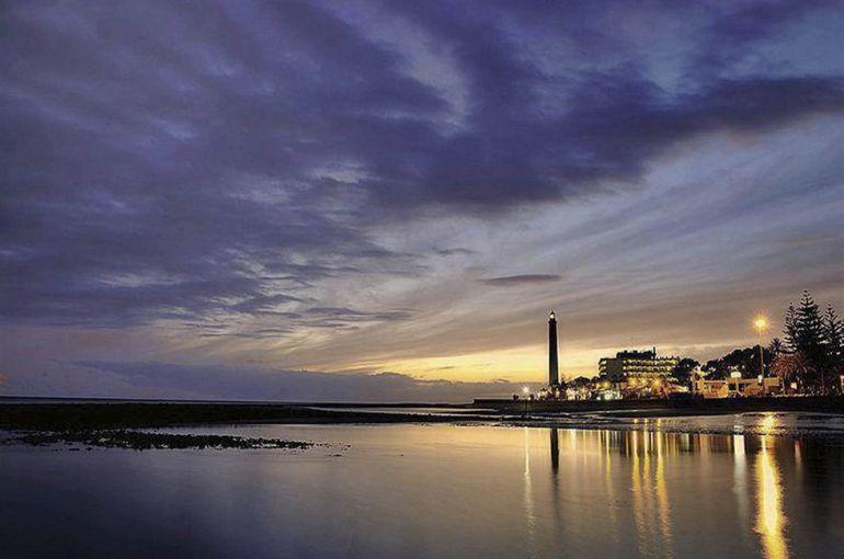 El tsjc anula la prohibici n de construir hoteles de menos for Hoteles 4 estrellas gran canaria