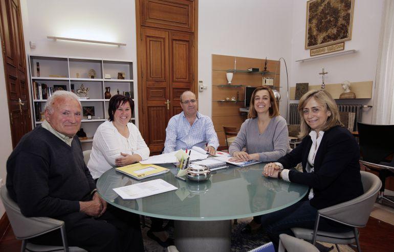 Reunión en Diputación con representantes de Cobos de Cerrato (Palencia)