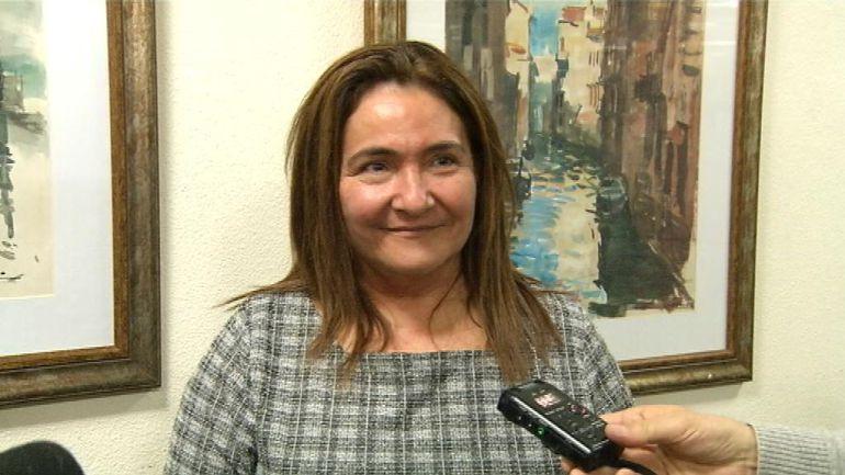 La subdelegada del Gobierno en Pontevedra, Ana María Ortiz, en un acto con los medios de comunicación.