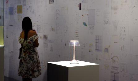 Las paredes del Centro Pompidou de Málaga se han llenado de su creación