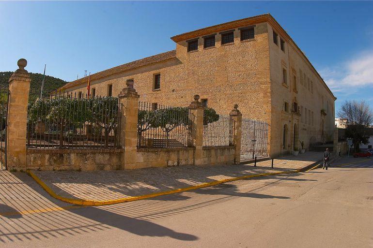 Edificio del IES El Convento donde tendrá lugar la II Feria del Caracol