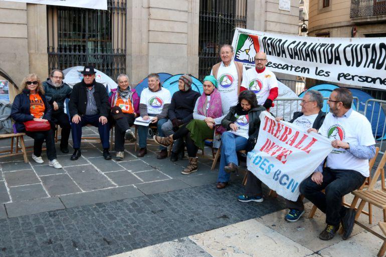 Algunos activistas llegaron a hacer una huelga de ha,bre en diciembre de 2016 en la Plaza de Sant Jaume de Barcelona para reclamar esta Renta de Ciudadanía