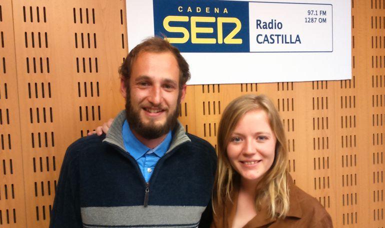 Carlos Jaén y Astrid Henmark, de la Asociación Ábrego