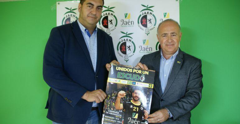 El presidente del Jaén Paraíso Interior, Germán Aguayo (izquierda), durante la presentación de la campaña de abonados para la próxima temporada.