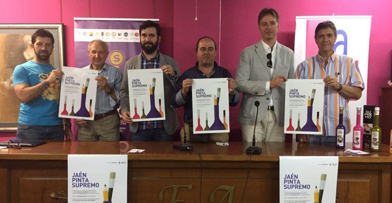 Fundadores AOVE Supremo y colaboradores junto con el director de la Escuela de artes y oficios José Nogué presentando el I Concurso de Artes Plásticas.