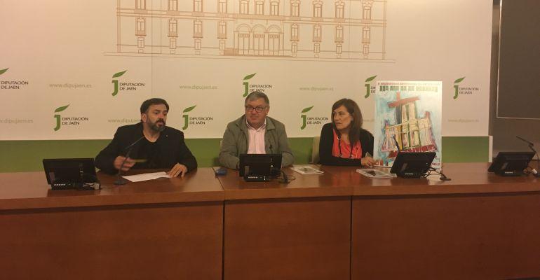 El alcalde de Villatorres, Sebastián López (centro), junto a organizadores del encuentro.