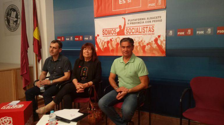Cristina Narbona junto a Manuel González Ramos y Francisco Tierraseca