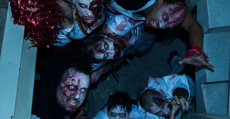 Participantes disfrazados como zombies en la última edición de Zombie Day.