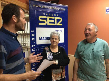 Fuensanta de la Casa y Martín García en los estudios de la radio minutos antes de comenzar la entrevista