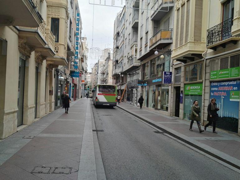 Paso de un autobús por la Corredora