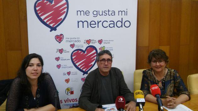 Laura Sánchez, arquitecta, Vicente Deltell, edil de Mercados y Delia Pariente, Técnico de Mercasa presentan el proyecto