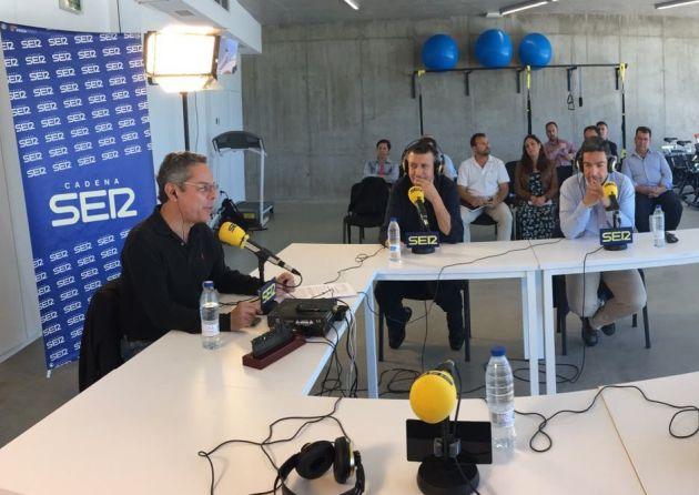 Salomón Hachuel, Javier Fernández y el delegado de Deportes José Manuel Romero