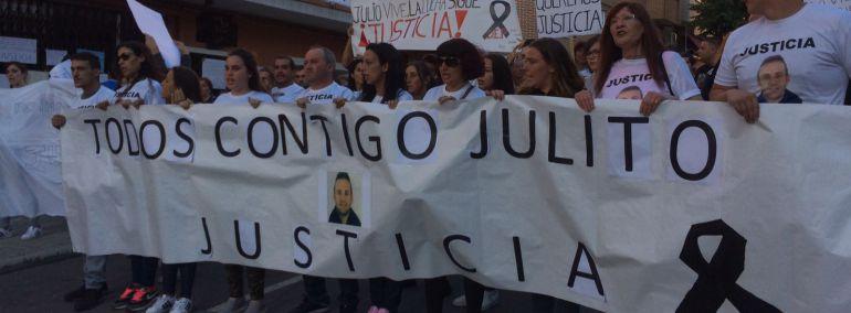 """300 vecinos de Santa Bárbara piden justicia para """"Julito"""""""