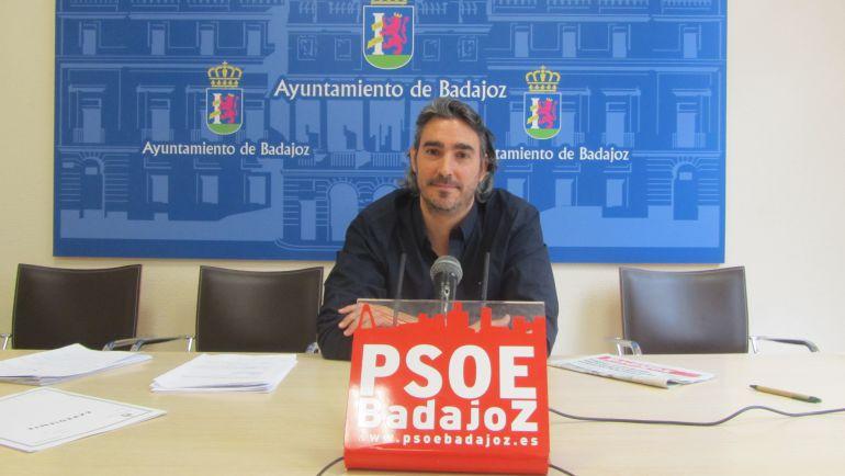 El concejal socialista Luis Tirado