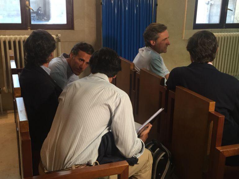Los Ruiz-Mateos niegan una estrategia procesal al culpar a su padre de las operaciones