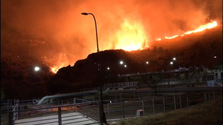 Incendio en el Barranco del Búho de Salobreña