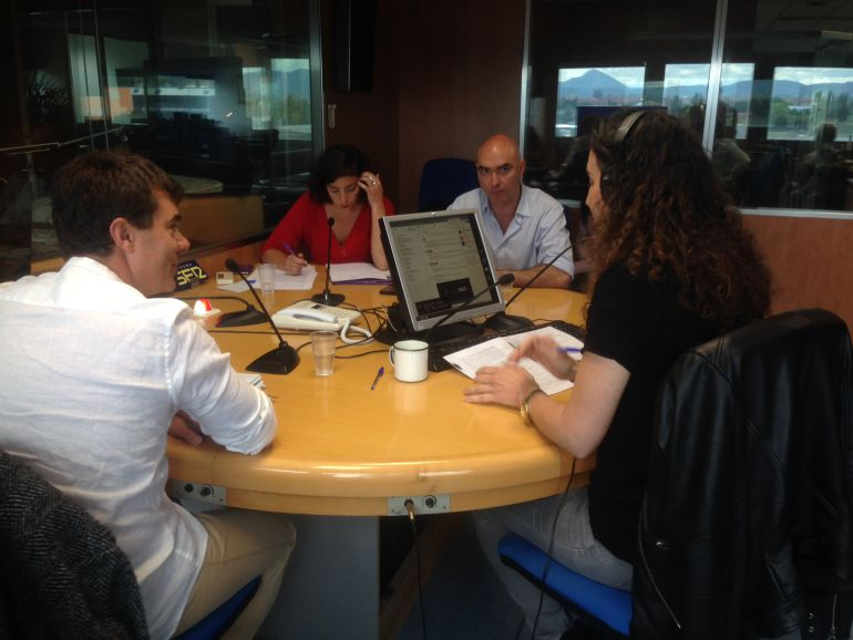 Los aspirantes a la Secretaría General de Podemos en Navarra han debatido en Hoy por Hoy Navarra, moderados por Mamen García