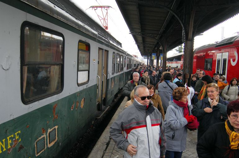 Tren Media Distancia Madrid Segovia