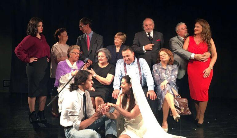 El grupo de teatro aficionado Ángel Orallo actúa en el Centro Cultural de Paracuellos este sábado y domingo