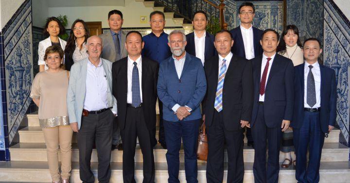 El alcalde de talavera se re ne con funcionarios chinos - El mercadillo de talavera ...