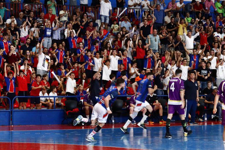 Imagen del partido disputado ayer en la Catedral