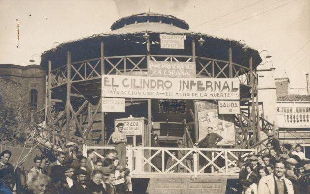 El cilindro infernal , una de las atracciones de la Feria de Córdoba de 1932