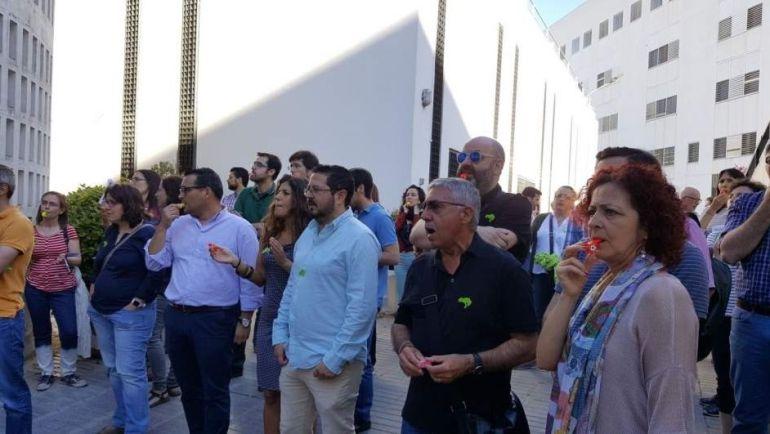 Huelga de interinos de la Universidad de Sevilla: Comienza una huelga de ayudantes e interinos de la Universidad de Sevilla
