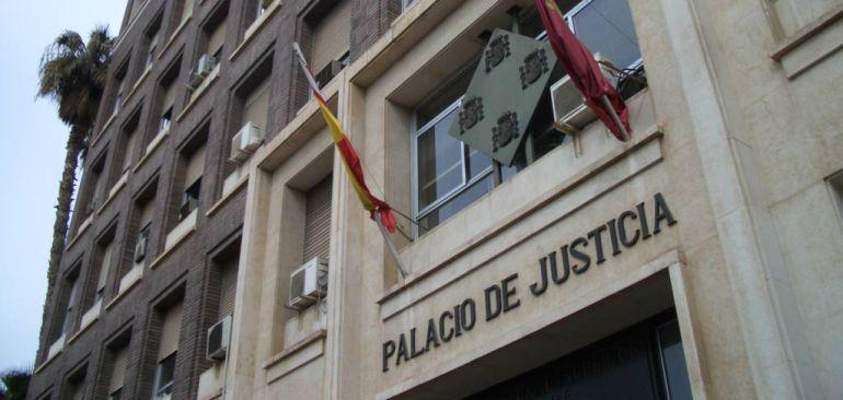 La Audiencia Provincial ve indicios para juzgar a 14 acusados por el Caso LIMUSA
