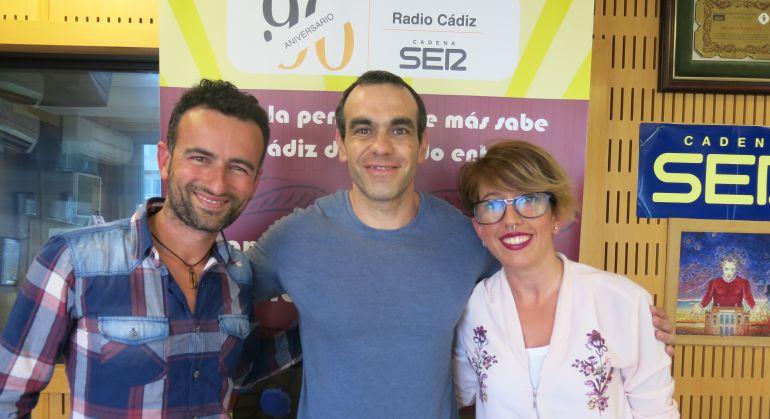 José Manuel Toscano, Gabriel Rodríguez y Ana Montes posan tras participar en el Doctorado Honoris Cádiz
