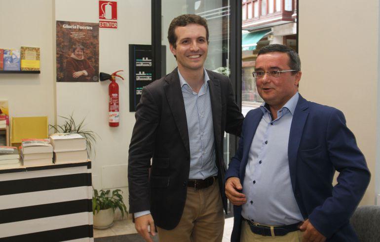 Pablo Casado junto a José Mª Crespo