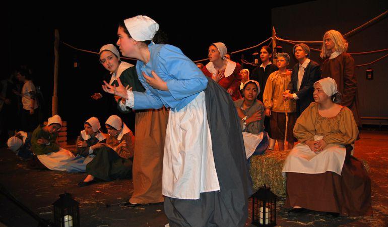 Tras alcanzar el tercer premio del certamen regional, 'Las brujas de Salem' regresa al Jaime Salom