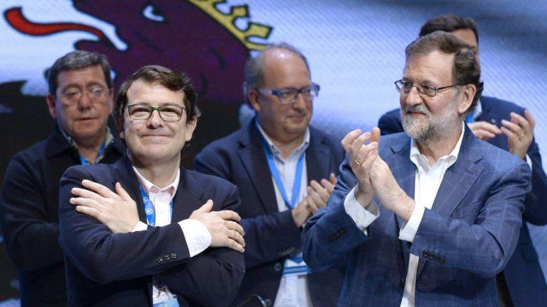 Mañueco y Mariano Rajoy, tras ser elegido presidente del PP de Castilla y León.