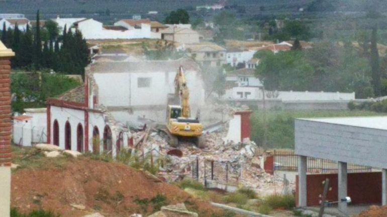 Demolición de la estación de tren de Loja (Granada) por el Ministerio de Fomento