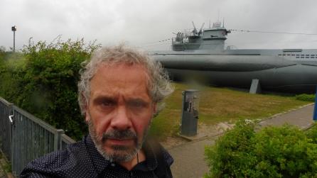 El submarino y el torpedo