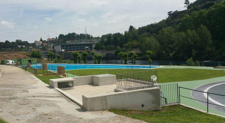 Verano 2017 abren las piscinas de oira el concello abre for Piscina carballo